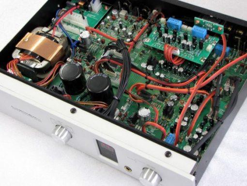 Luxman DA-200 DAC