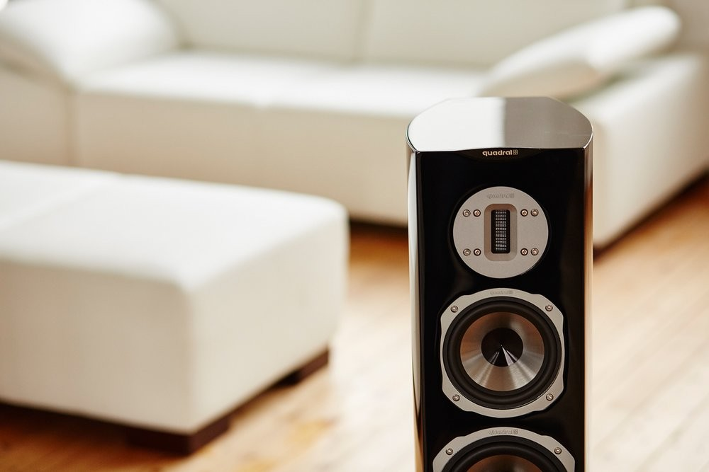 quadral chromium style 8 loudspeakers at mcru. Black Bedroom Furniture Sets. Home Design Ideas